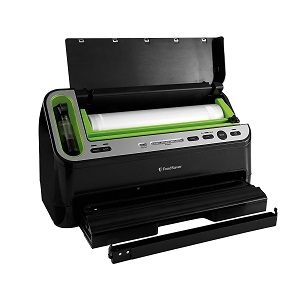 5. FoodSaver V4440 2-in-1 Automatic Vacuum Sealing System