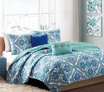 6. Boho chic Teen Girls Blue-Green Full-Queen Quilt Medallion Damask.