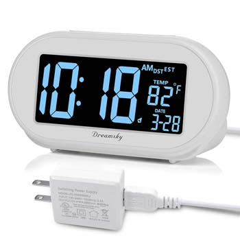 4: DreamSky Auto Time Set Alarm Clock